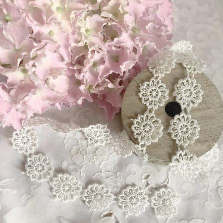 Blütenband Schmuckband Blumen Weiß
