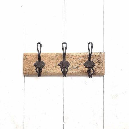 rustikale GarderobenLeiste mit 3 Haken