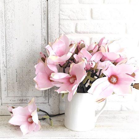Zweig Magnolie Pink