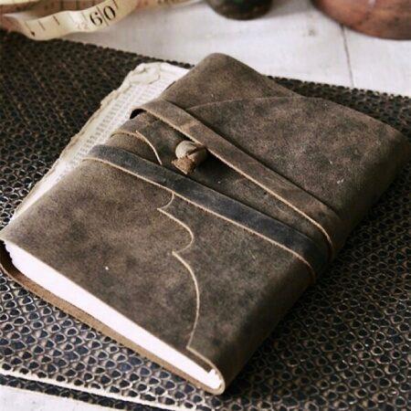 Jeanne d'Arc Living Notizbuch Leder breites Bindeband
